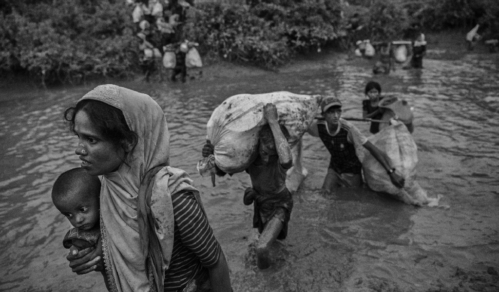 Rohingya refugees flee Myanmar for Bangladesh. (Photo: Kevin Fraser/Getty Images)