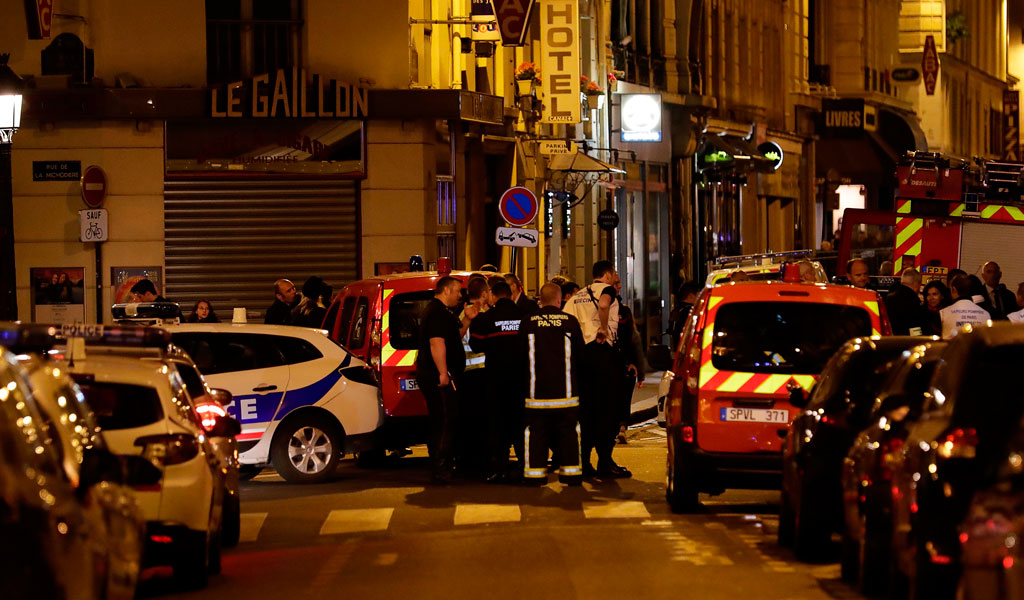 Police at the site of an ISIS-claimed stabbing attack near the main opera house in Paris (Photo: THOMAS SAMSON/AFP/Getty Images)