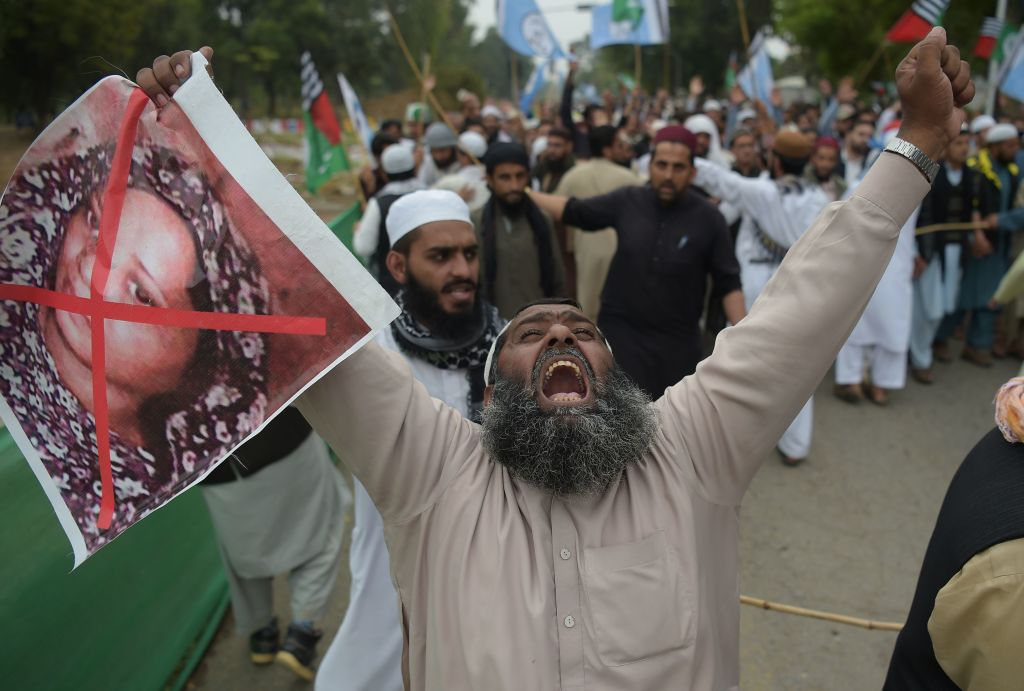 A protest against Asia Bibi following the Supreme Court's decision to acquit Bibi of blasphemy, in Islamabad on November 2, 2018. (Photo: Aamir Qureshi / AFP / Getty Images)