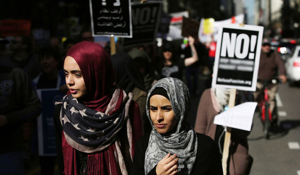 Muslim Women protest in Chicago (Photo: Joshua Lott/Getty Images)