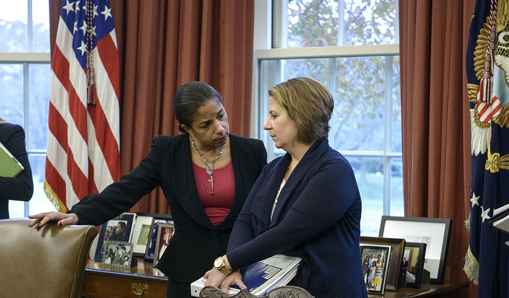 Barack Obama's national security adviser Susan Rice (left) talks to then White House homeland security adviser Lisa Monaco in the Oval Office, Deccember 5, 2014. (Photo: BRENDAN SMIALOWSKI / AFP / Getty Images)