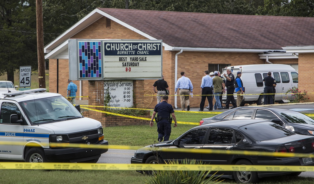Law enforcement continues their investigation around the Burnette Chapel Church of Christ on September 24, 2017 in Antioch, Tennessee. One person was killed and seven were wounded when a gunman opened fire in the church. (Photo: Joe Buglewicz / Getty Images)