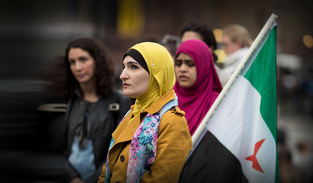 Linda Sarsour (shown here at a rally for Syrian women) (Photo by Drew Angerer/Getty Images)