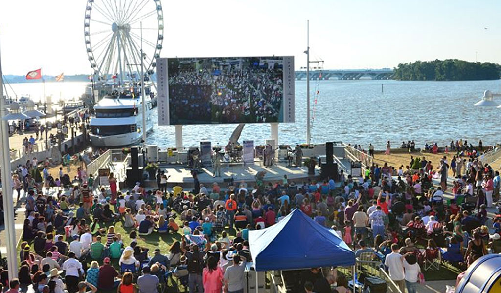 An Air Force Band ensemble performs for a large crowd at the National Harbor in Maryland where an attack was just prevented (Photo: Air Force/Senior Master Sgt. Bob Kamholz)