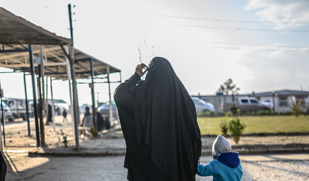 An ISIS wife in Syria being held in detention. How was Omaima Abdi allowed back into Germany? (Photo: BULENT KILIC/AFP/Getty Images)
