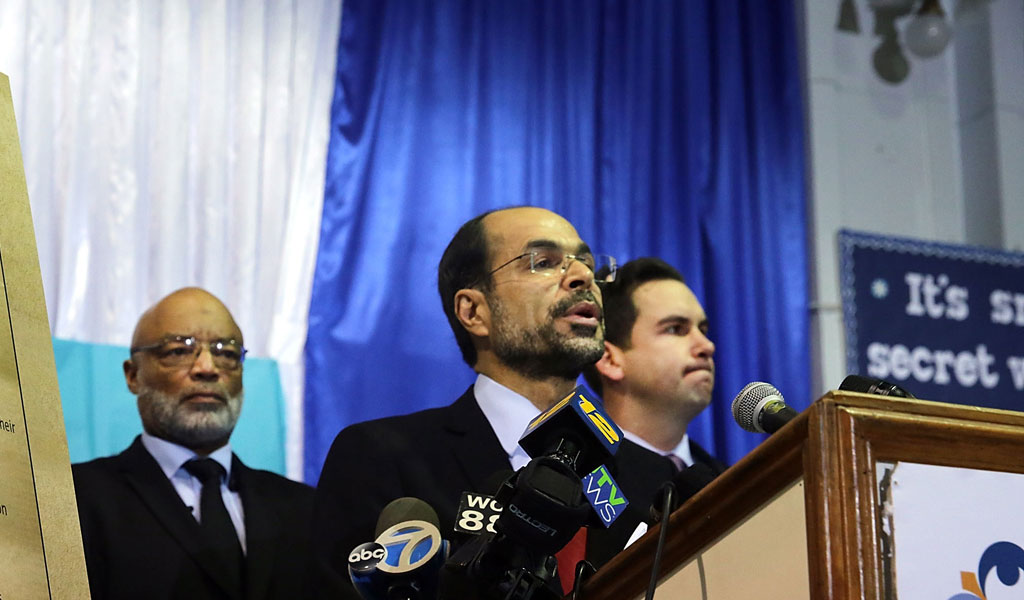 CAIR founder and executive director Nihad Awad speaks against then-candidate-for-President Trump (Photo: Spencer Platt/Getty Images)