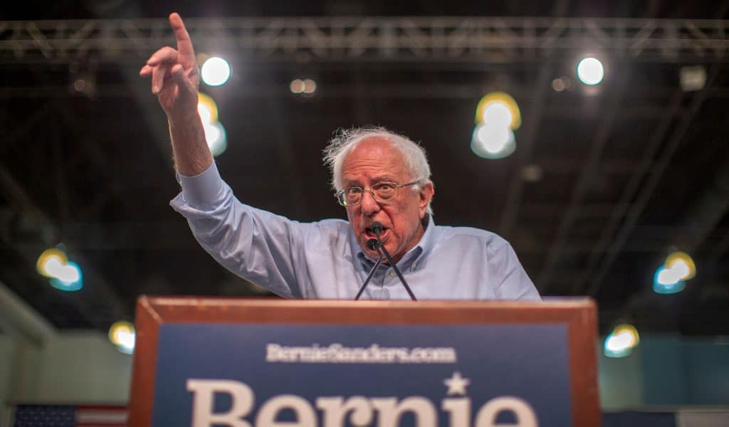 Democrat candidate for president Bernie Sanders campaigns in Pasadena, California (Photo: David McNew/Getty Images)