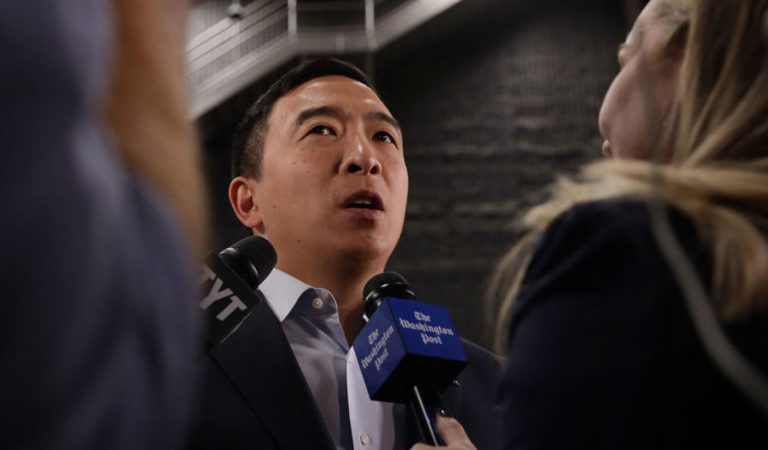 Democrat presidential candidate Andrew Yang (Photo; Alex Wong/Getty Images)