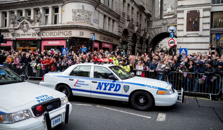 An NYPD police car. The Muslim patrol cars are made to look like these cars (Photo: TOLGA AKMEN/AFP via Getty Images)