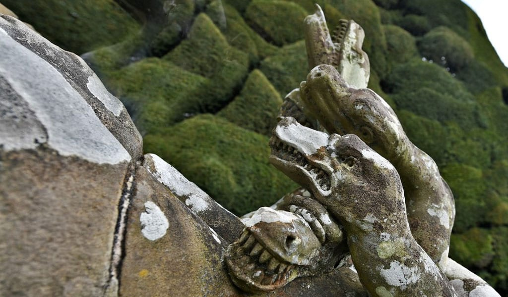 Powis Castle, Great Britain: Hercules Slays the Hydra (Photo: Michael Garlick/Wikimedia Commons)