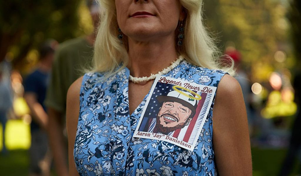 At a memorial for Aaron Danielson in Vancouver, Washington (Photo: ALLISON DINNER/AFP via Getty Images)